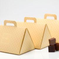 Boîte triangulaire $2,50 + los productos escogidos (incluye bolsa de obsequio)