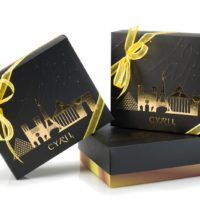 "Coffret ""Paris Or"" 12 macarrones  $18,75  (incluye bolsa de obsequio)"