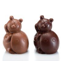 Figuras de chocolate negro 71% de cacao y chocolate con leche 45% de cacao. $5,25