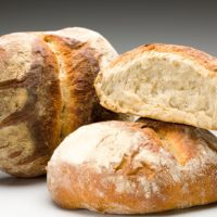 Derivado del pan de campagne con mezcla de hierbas. (Contiene solamente 0,9% de levadura.) $2,70