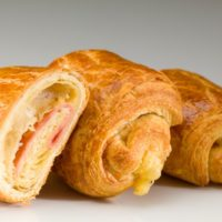 •Masa de croissant •Jamón •Queso holandés $1,85