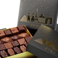 Coffret «Paris Or»  noir et lait 41 chocolates $24,95 (incluye bolsa de obsequio)