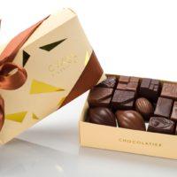 Coffret maison noir et lait 30 chocolates $20,90 (incluye bolsa de obsequio)