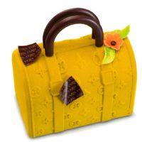 Elaborada en chocolate negro 71% de cacao. Disponible a la venta hasta el 12 de mayo en edición limitada. $21,80